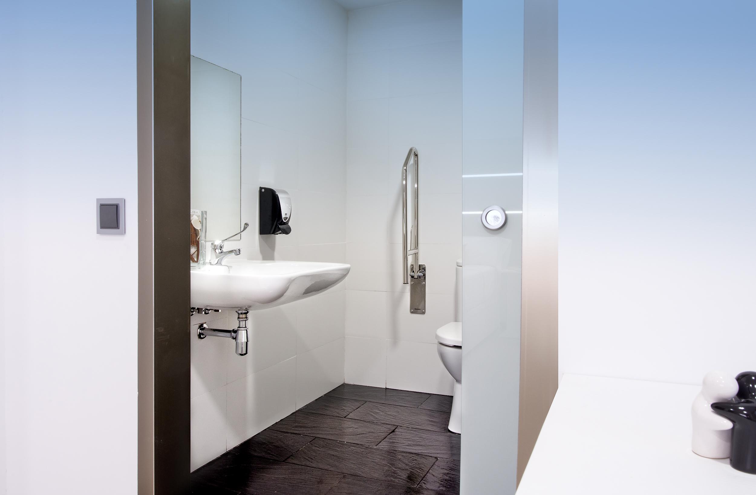 HOSTAL habitacion doble1 sin balcon (minusválidos)