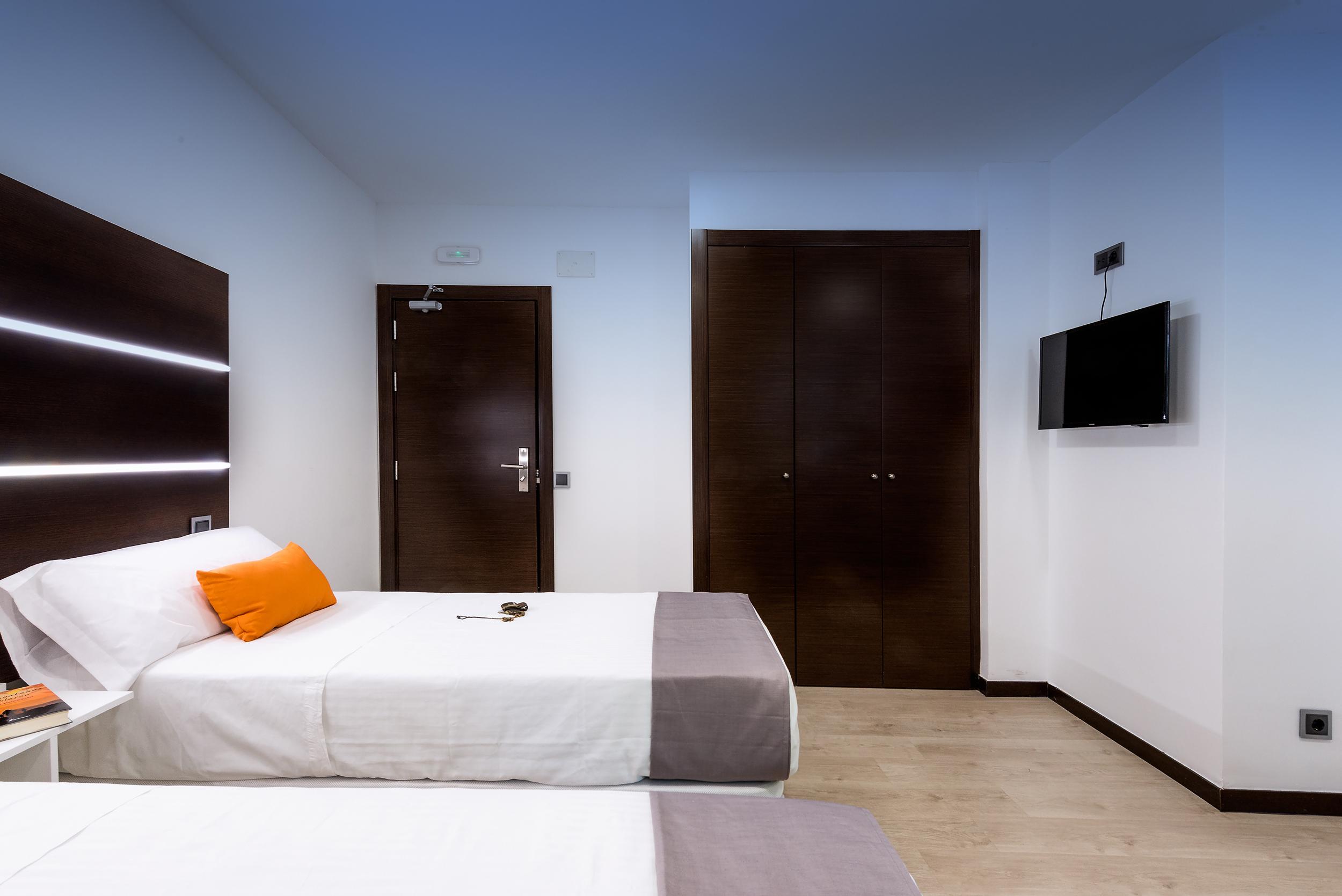 HOSTAL habitación doble1 sin balcon (minusválidos)