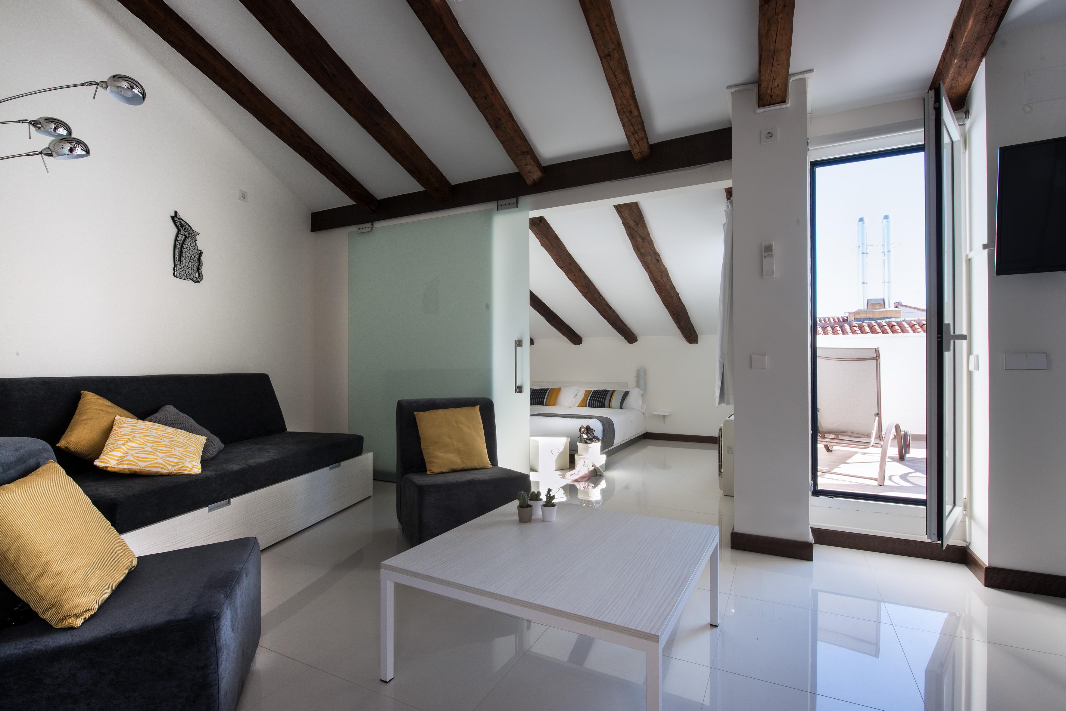 SUITES atico con terraza apartamentos turisticos en madrid